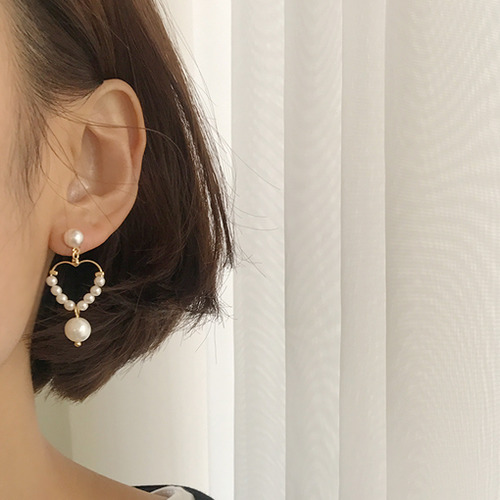 Grace No.6 (earring)