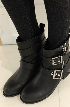 Zipper buckle boots